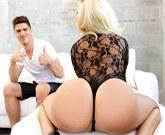 Americký  pornoherec  Bruce Venture a luxusní třicítka Olivia Fox v porno akci