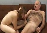 Starší pán a mladá dívka