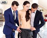 Lilu Moon  prožije dvojitou penetraci se svým manželem a přítelem