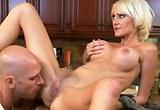 Sex v kuchyni s kozatou blondýnkou Torrey Pines