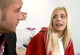 Mladá blondýnka Carmen Monet se místo učení nechá ošukat – HD porno