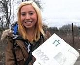 Rychlý Prachy – Česká studentka podvede přítele se slavným lovcem žen na schodech