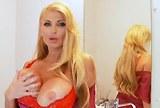 Nadržená zralá blondýnka Taylor Wane