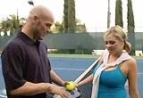 Vnadná tenistka Katie Kox si zašuká s trenérem