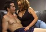 Kozatá zralá panička Rebecca Bardoux si to rozdá s mladým mužem