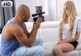 Roztomilá blondýnka Luba B souloží na castingu – HD porno