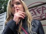 Public Agent píchá v maďarsku s půvabnou kanadskou blondýnkou Jemmou